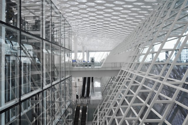 Shenzhen-International-Airport-1-640x426