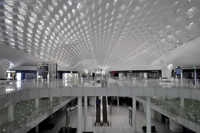 Shenzhen-International-Airport-5-640x426
