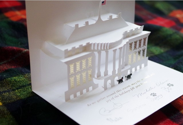 Pop-Up-Christmas-Card-from-White-House4-640x437