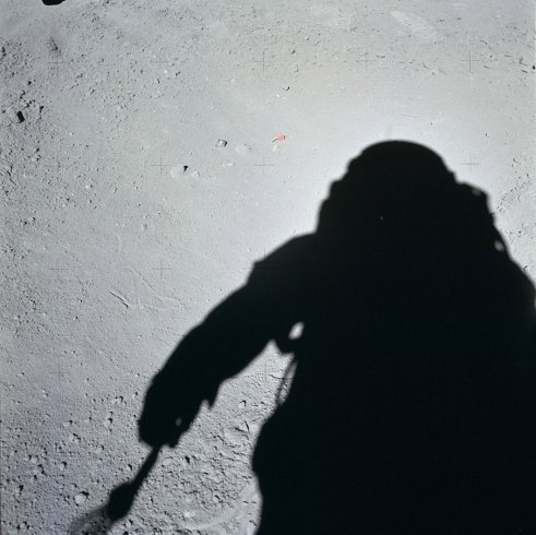 apollo-15-hasselblad-moon-19