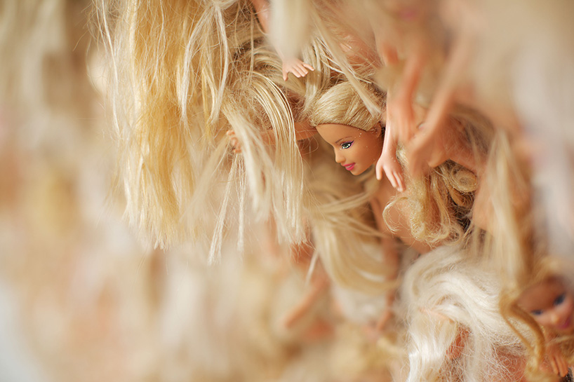 vague-geante-barbies-5