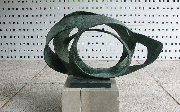 Barbara Hepworth Oval Form - Terzion