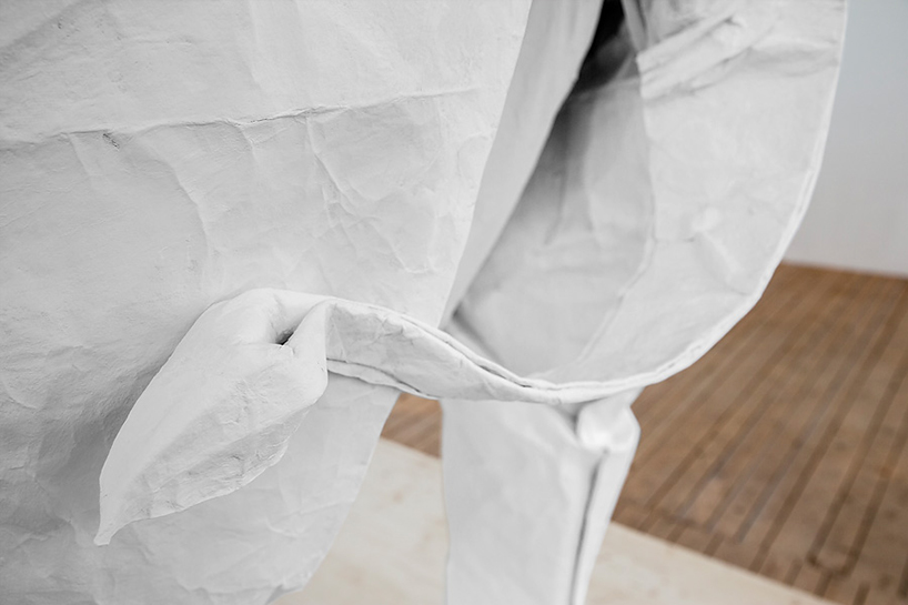 sipho-mabona-folds-life-sized-elephant-from-single-paper-sheet-designboom-02
